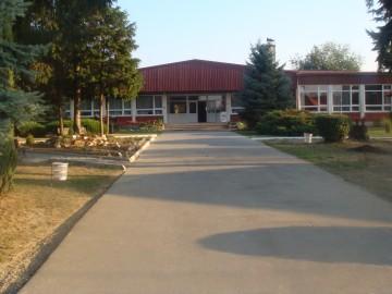 ee skola